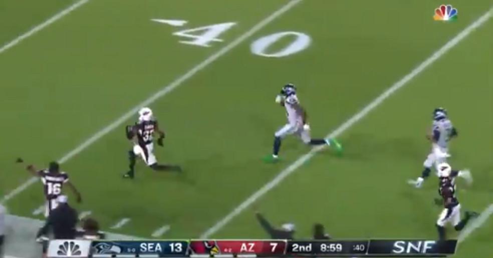 A defesa de DK Metcalf para salvar um touchdown era uma coisa da lenda