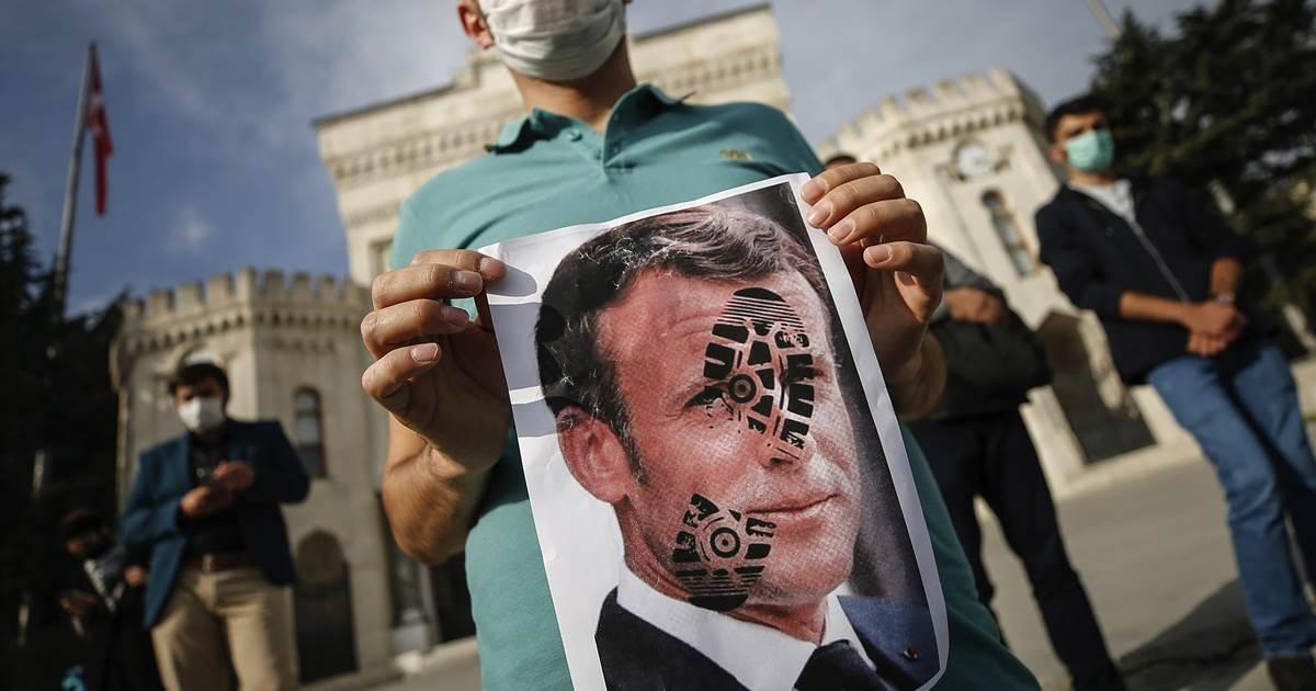 Caricatura ofensiva inflama tensões entre França e Turquia
