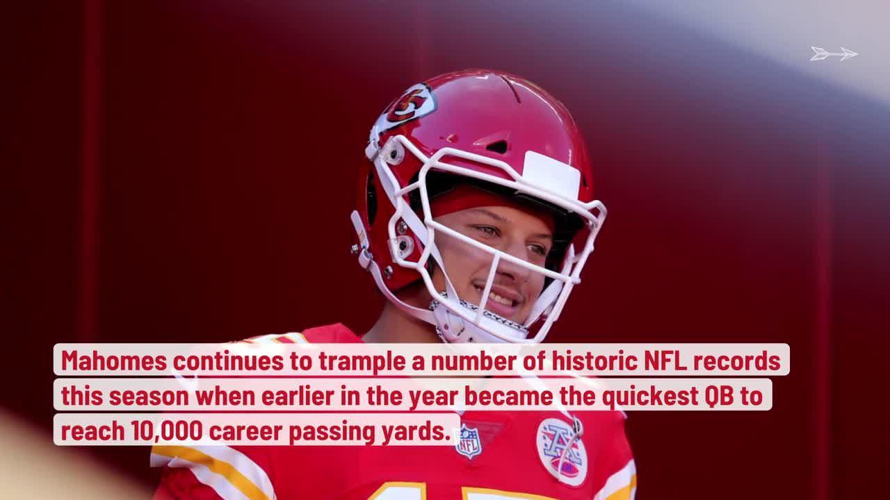 Chiefs QB Patrick Mahomes torna-se o jogador mais rápido para 100 touchdowns de passes na carreira