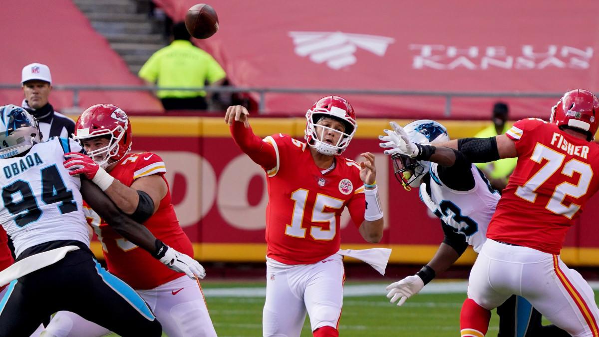Patrick Mahomes se torna o jogador da NFL mais rápido ao lançar 100 passes TD