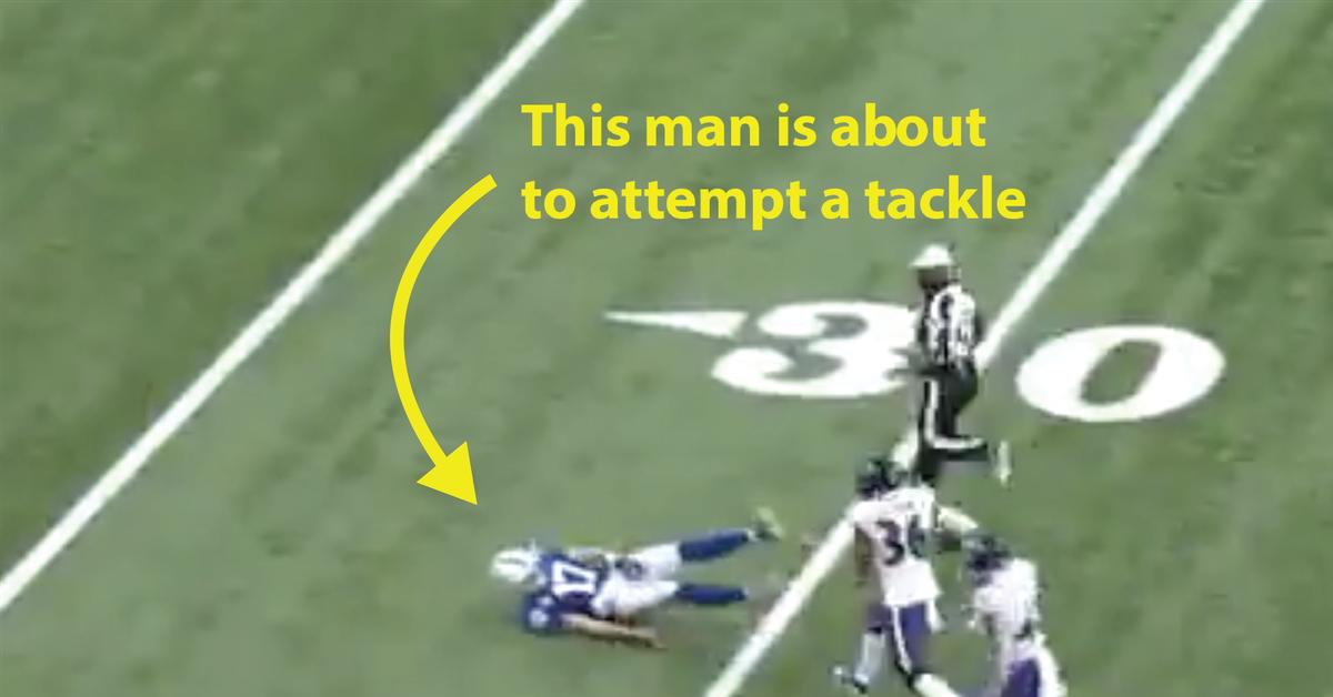 Philip Rivers fez uma das piores tentativas de tackle na história da NFL