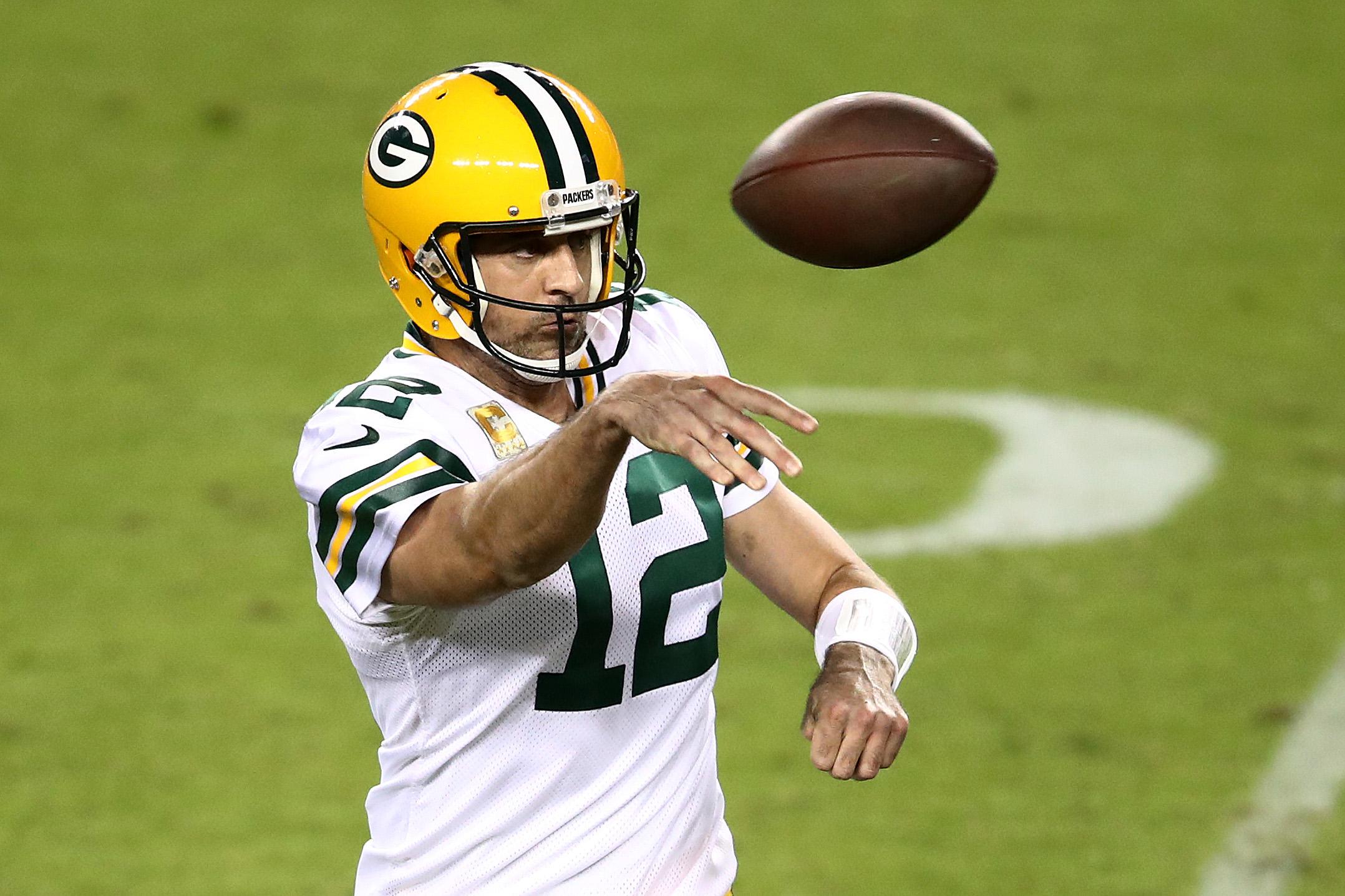 Aaron Rodgers questiona se os protocolos NFL COVID são baseados na ciência