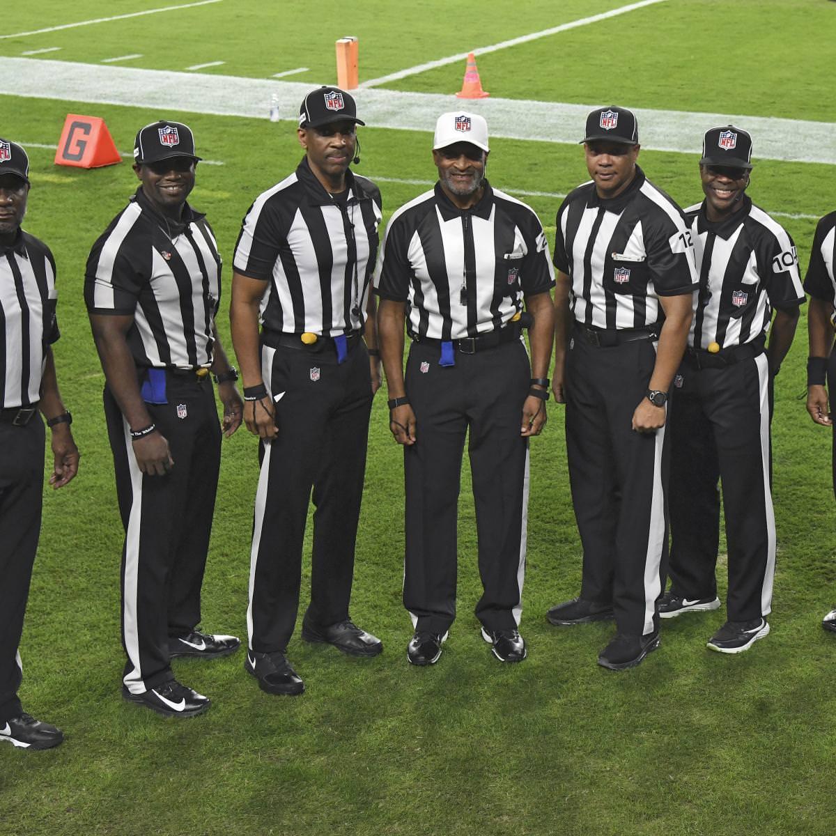 Russell Wilson e Chris Bosh elogiam a primeira equipe de arbitragem totalmente negra da história da NFL