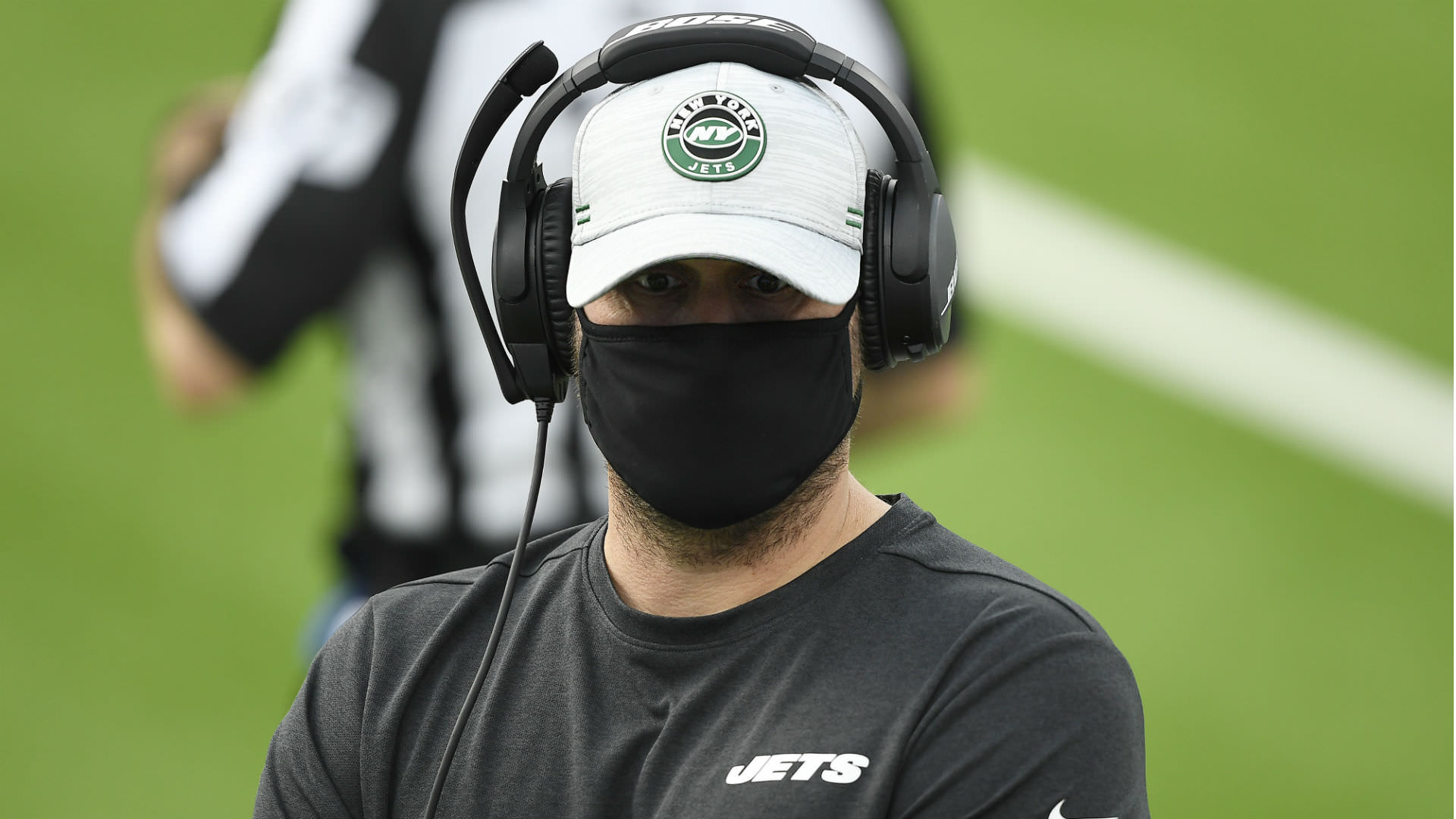 Os fãs da NFL reagem aos Jets que ficam sem carga, lançando oito no TD vencedor do jogo de Raiders