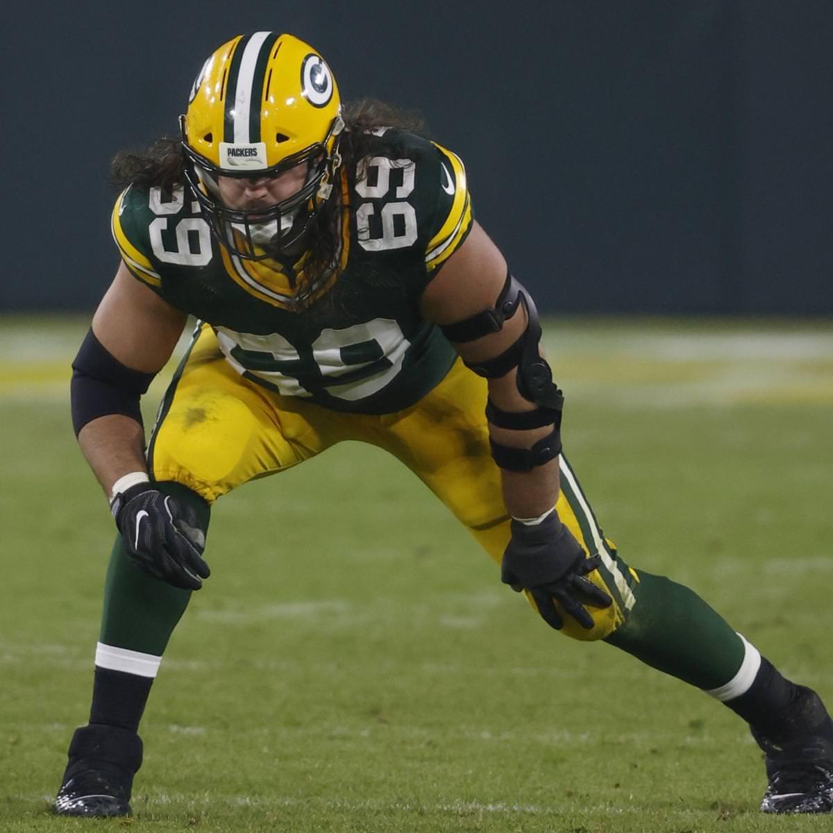 Packers começando LT David Bakhtiari supostamente sofre de lesão no joelho no final da temporada
