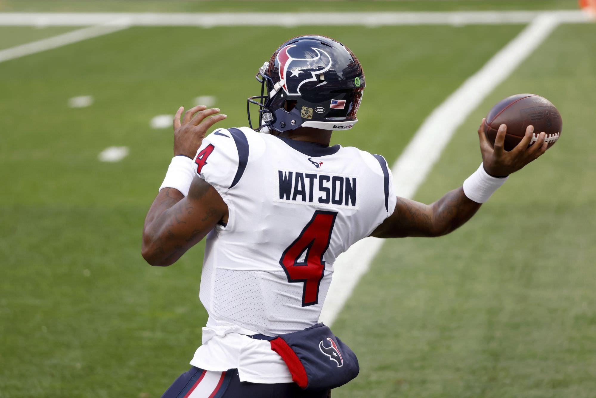 Os cardeais WR DeAndre Hopkins dão 'glória' ao Texans QB Deshaun Watson por ganhar o título de passes