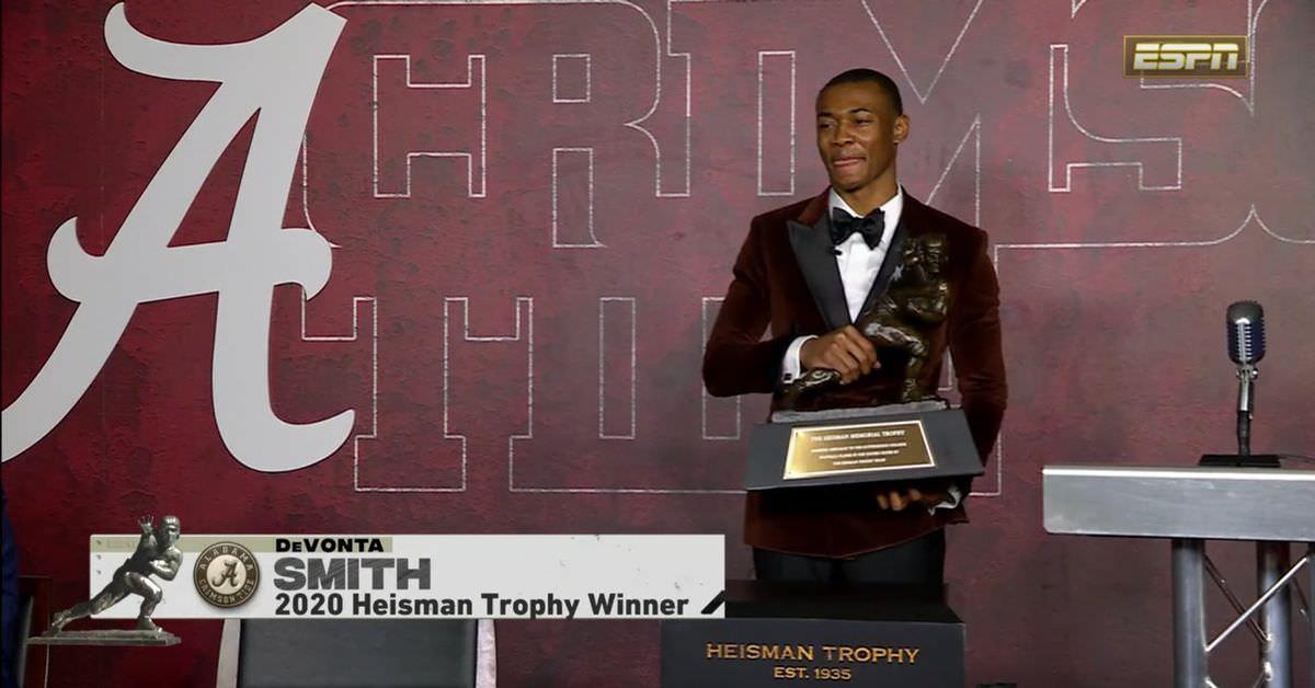 DeVonta Smith pode ser um dos melhores receptores que já vimos entrando na NFL