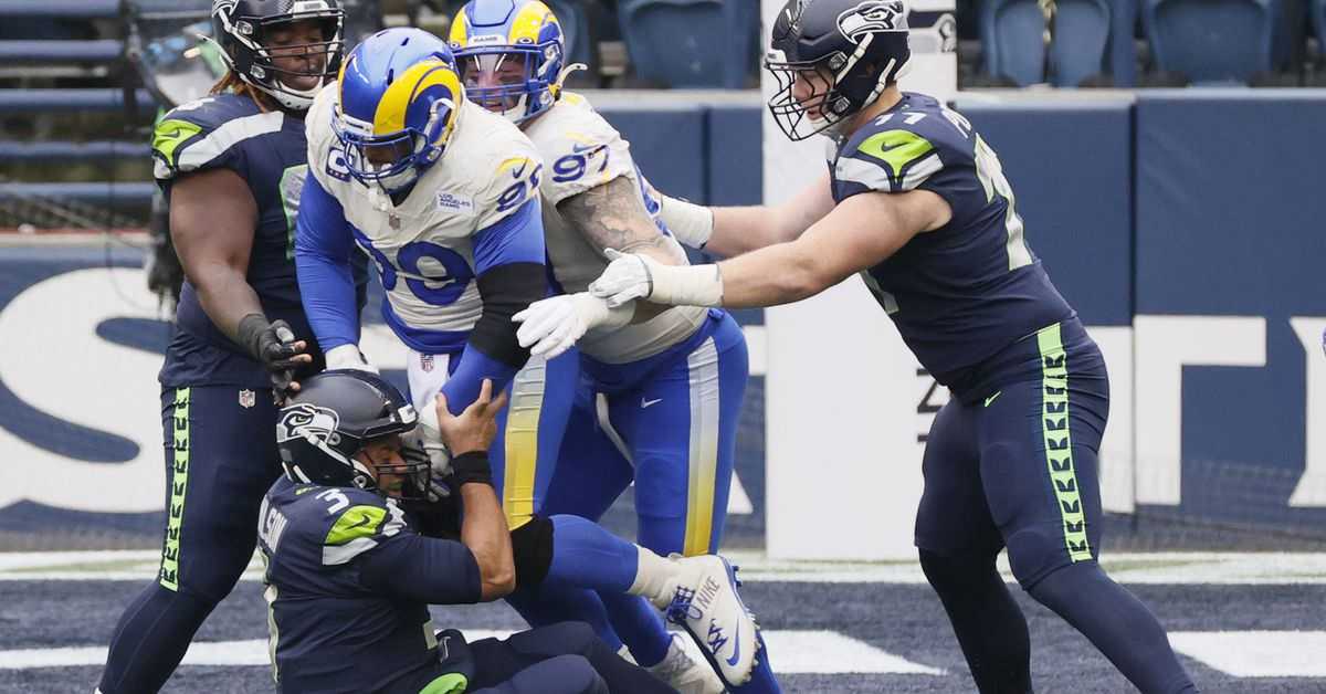 Cada time nos playoffs da NFL deve temer a defesa do Rams