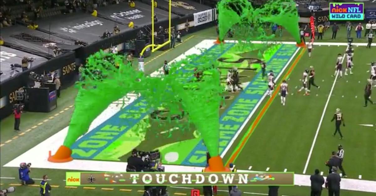 O primeiro jogo playoff da NFL da Nickelodeon é uma diversão cheia de lama