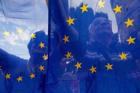 UE olha para o passado para neutralizar o conflito comercial transatlântico