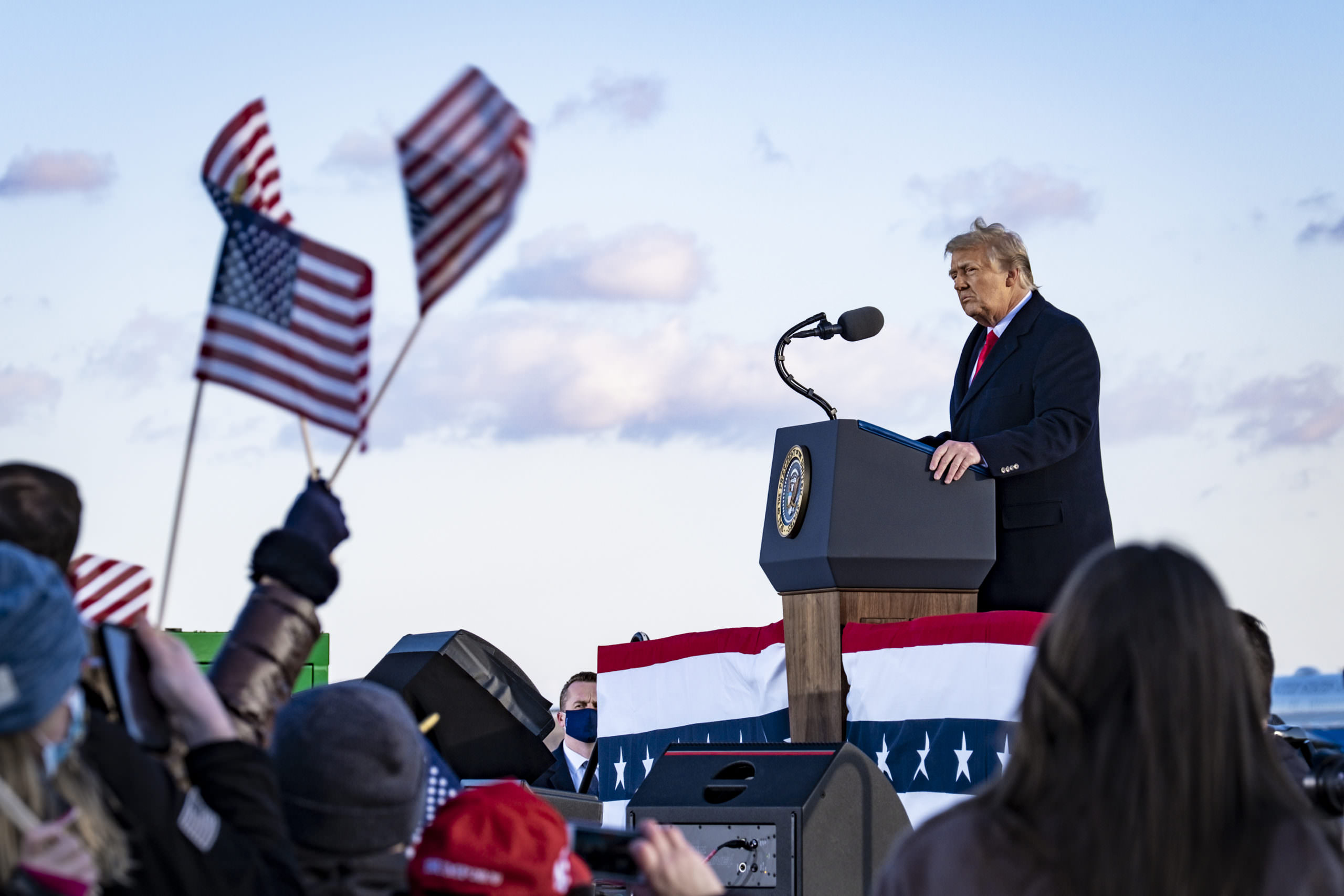 Por que Donald Trump já está provocando uma campanha de 2024
