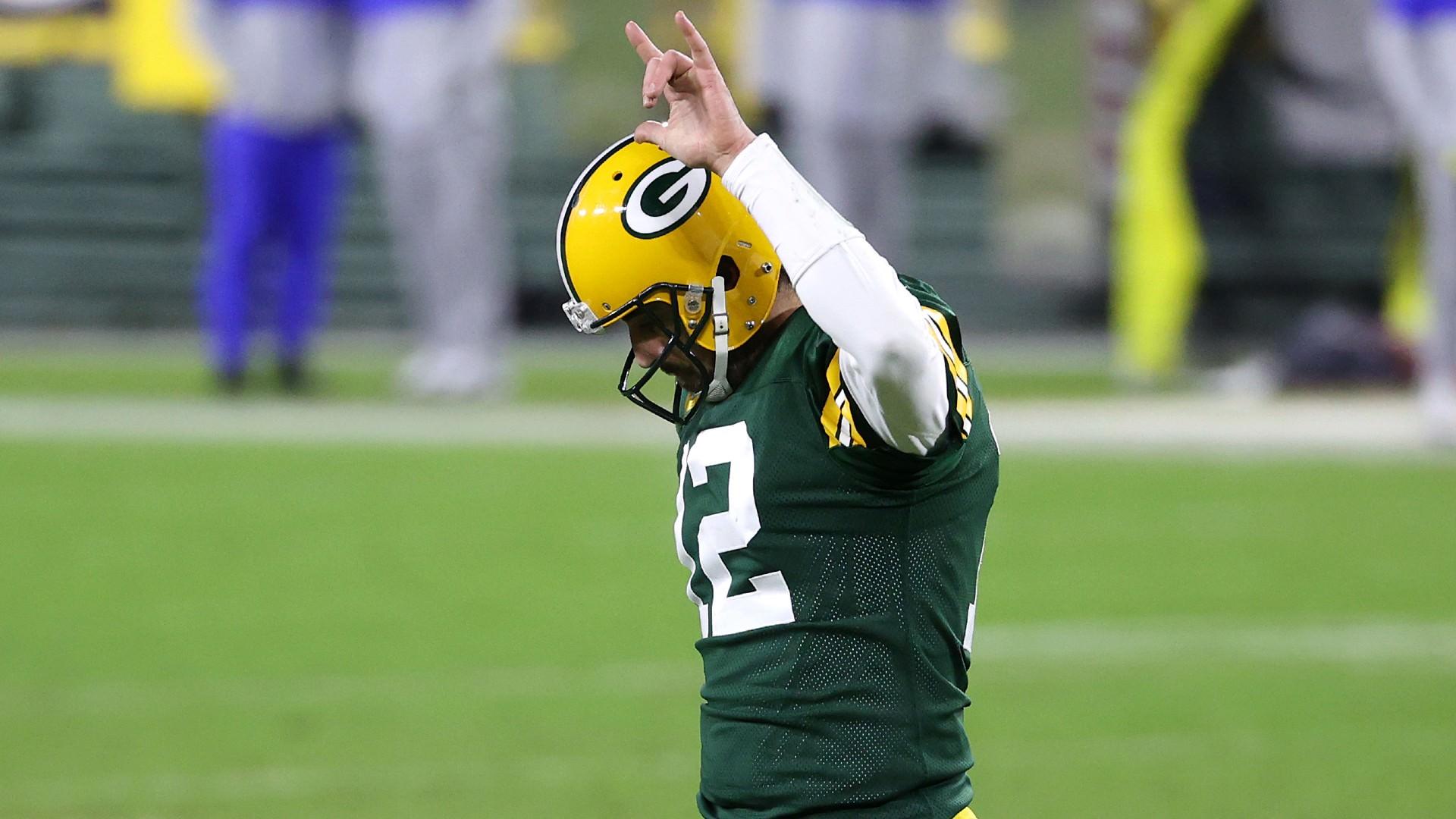 O último penteado de Aaron Rodgers mantém os fãs da NFL atentos