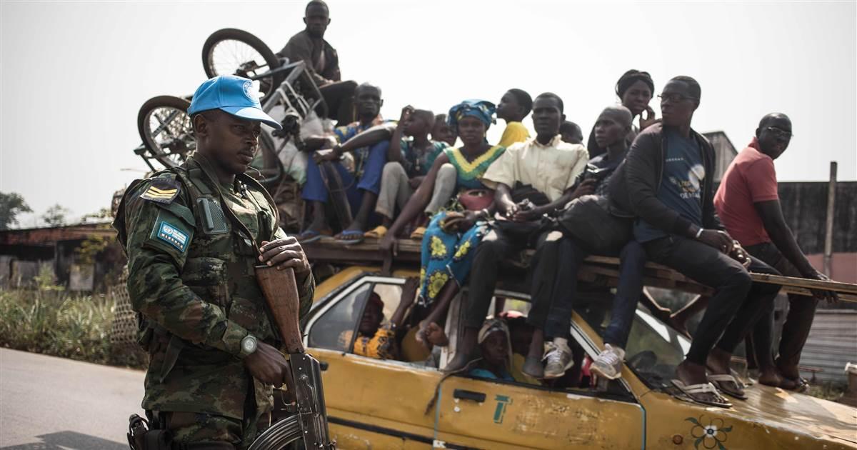 Mais de 200.000 fogem do conflito 'apocalíptico' na República Centro-Africana