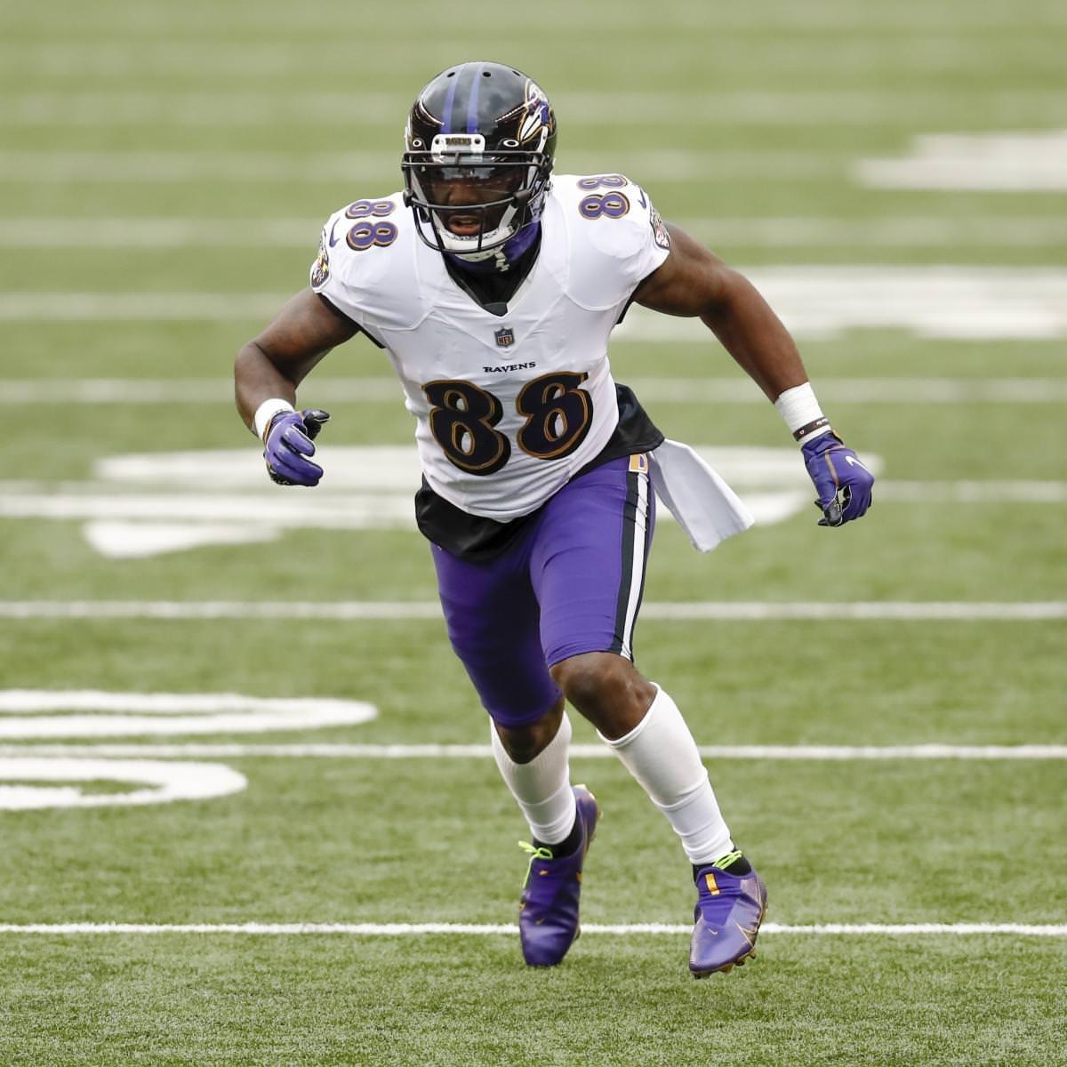 Dez Bryant diz que gostaria de ter tocado com Tom Brady durante a carreira na NFL