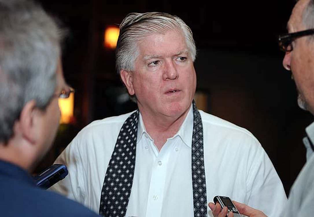Ex-executivo da NHL e atual analista da Rogers Sportsnet, Brian Burke, em Pressrow com Jonah Sigel