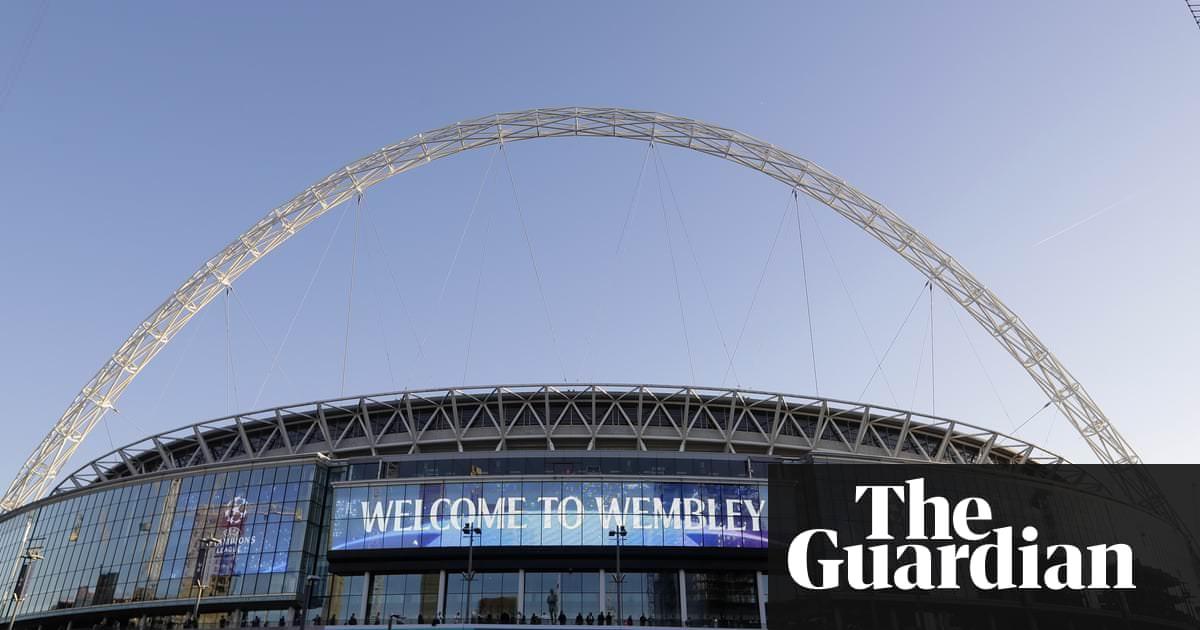 Jogadores de onças-pintados detidos antes do jogo da NFL de Wembley contra os Eagles