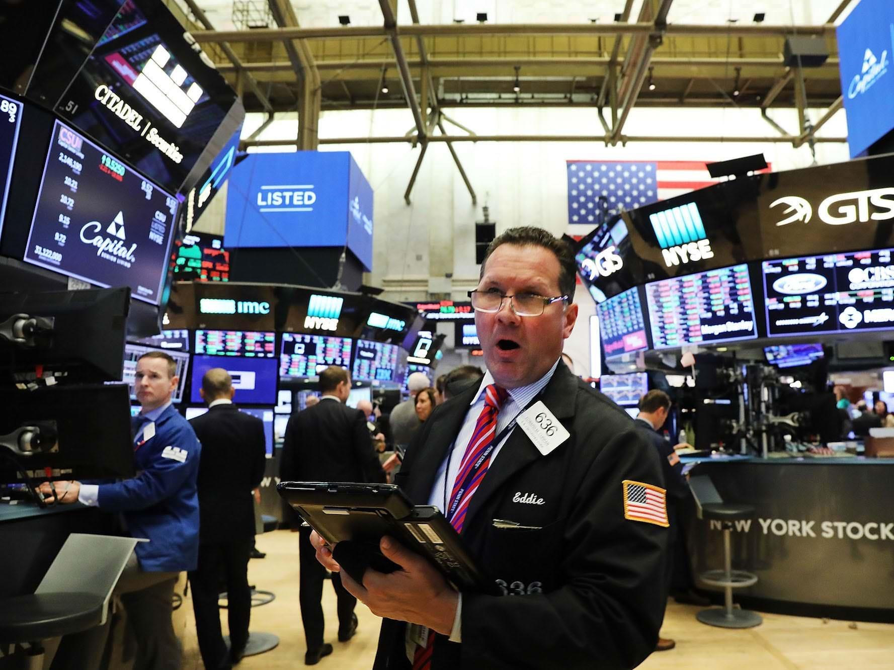 Um diretor de investimentos de uma empresa de US $ 5,8 bilhões explica por que uma bolha do tipo pontocom se formando em ações culminará em um crash de 30-40% – e diz que o Fed pode detoná-la