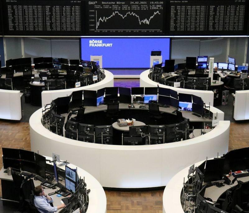 Rendimentos de títulos em alta levam ações globais a cair – Reuters