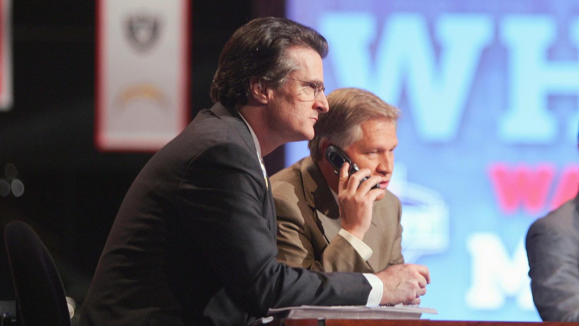 O último draft simulado de Mel Kiper lembra os fãs da NFL sobre o que a temporada de draft simulado é realmente