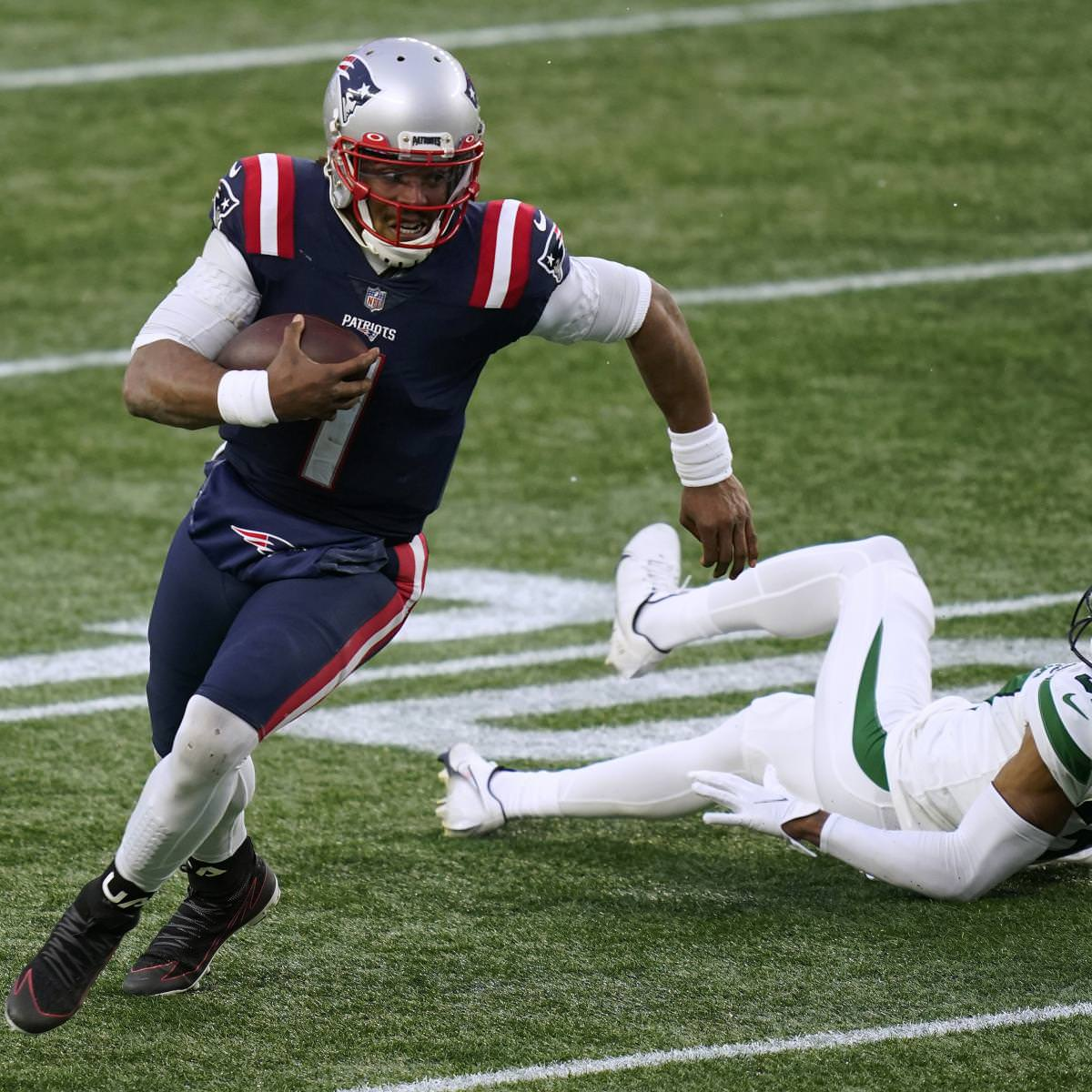 Patriots Rumors: New England 'Not Enamored' with 2021 Free-Agent QB Class