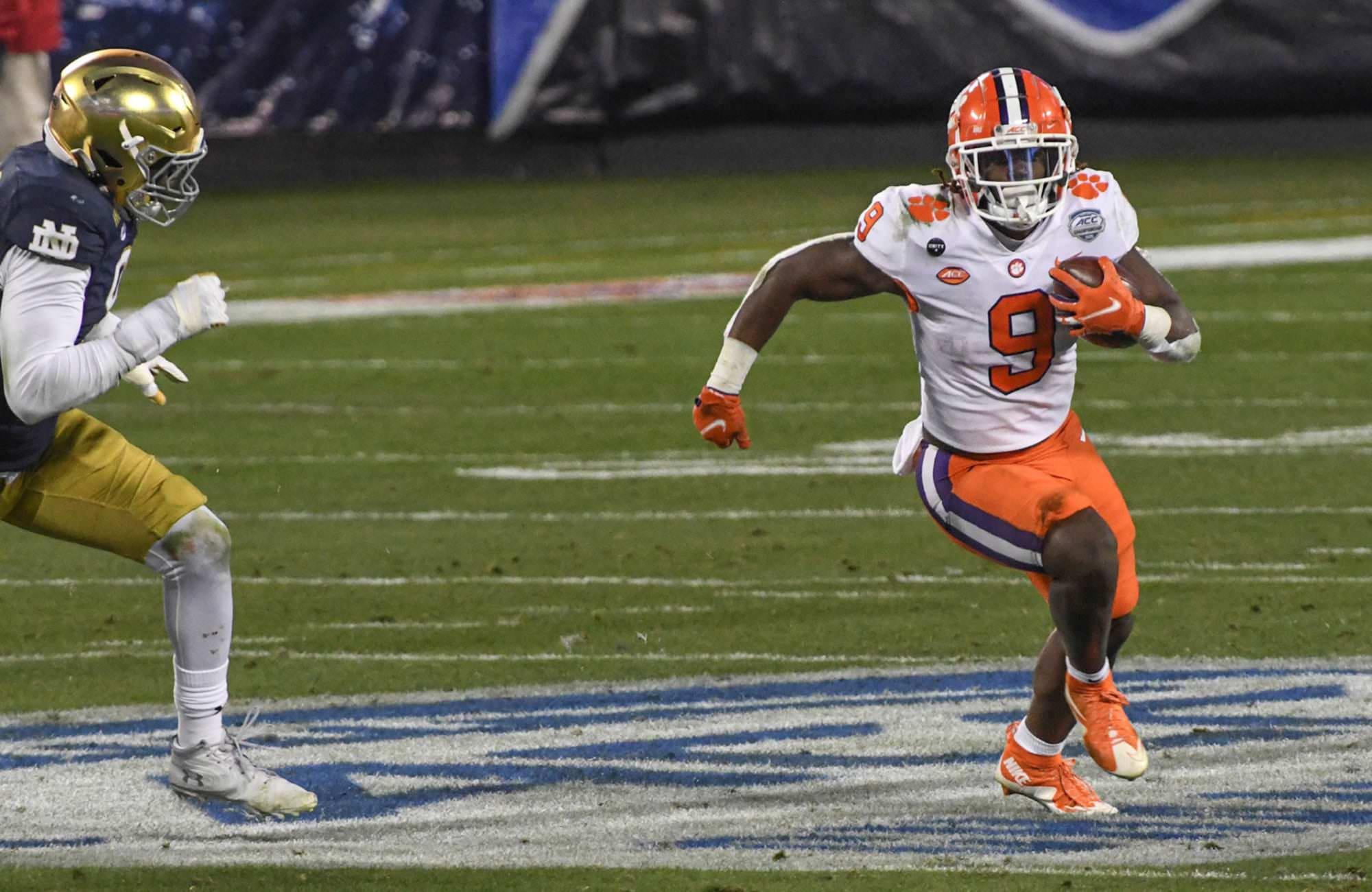 Futebol Clemson: locais de pouso potenciais para Travis Etienne no Draft de 2021 da NFL