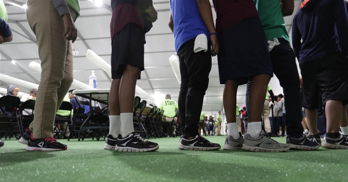 FEMA ajudará com afluxo de crianças migrantes na fronteira EUA-México