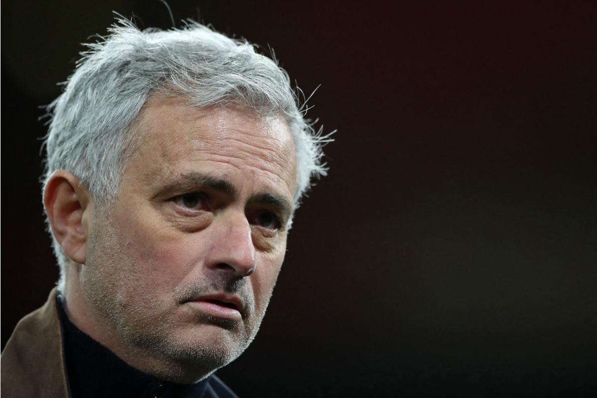 O futebol mudou das táticas de Jose Mourinho após a derrota do Tottenham no terreno do Arsenal, diz o ex-atacante do Manchester United Andy Cole, com o surgimento de estatísticas contundentes