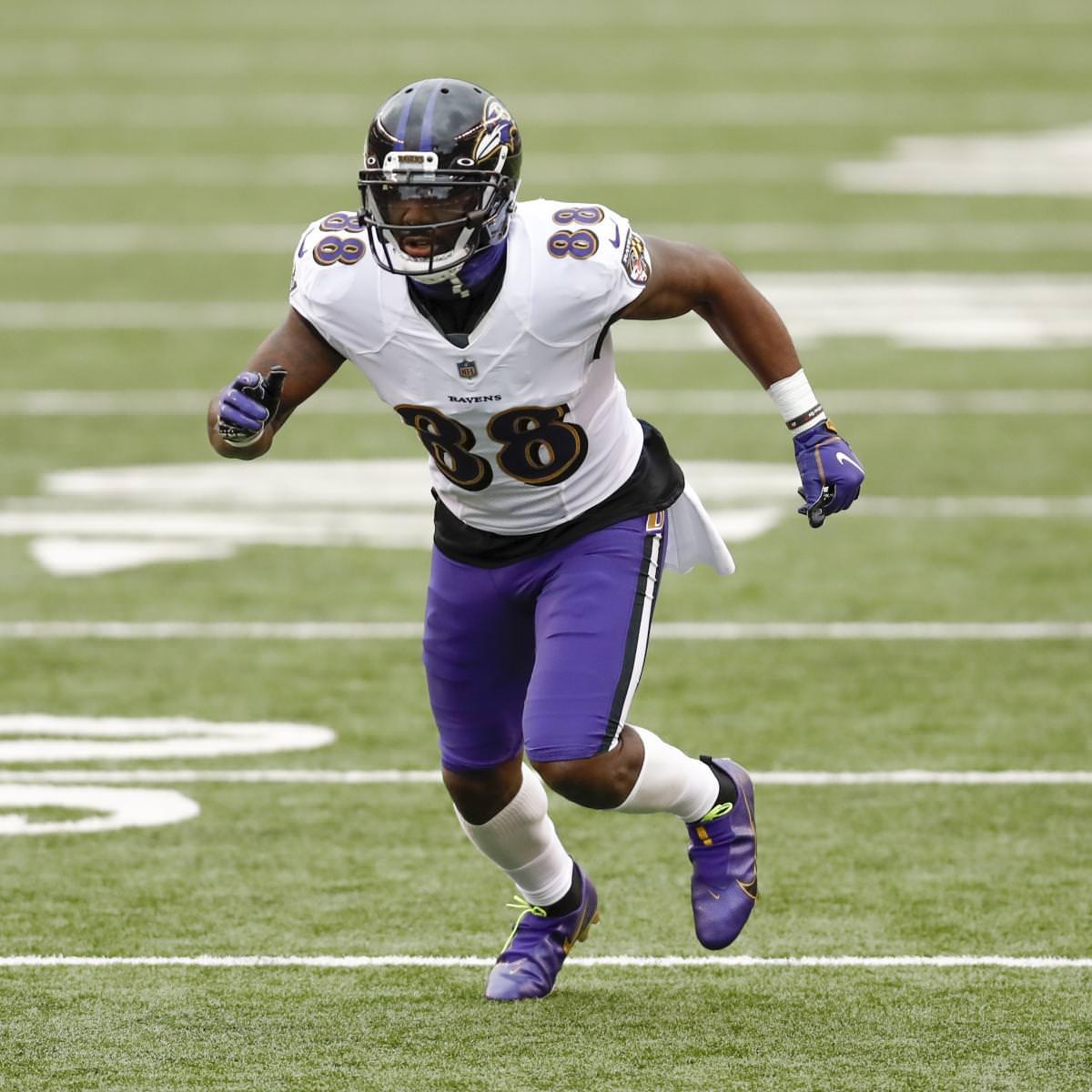 Dez Bryant apóia Lamar Jackson dos Ravens: as críticas começam a 'me irritar'