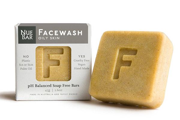 Lavagem facial com tendência a acne ou pele oleosa – Nuebar