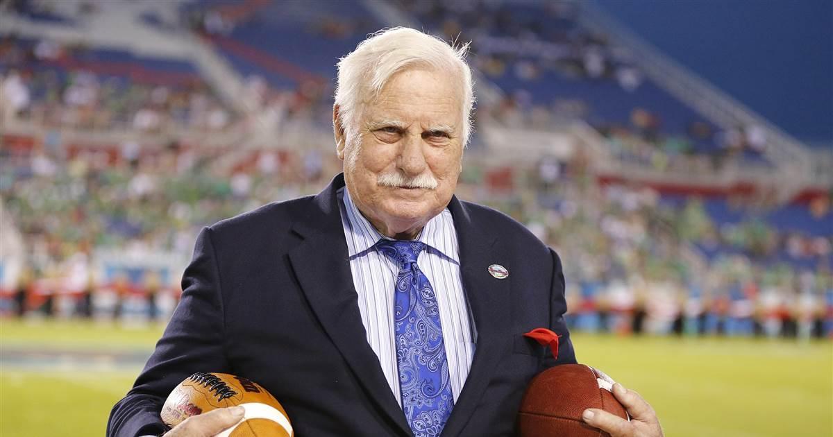 Howard Schnellenberger, famoso treinador da NFL e universitário, morto aos 87