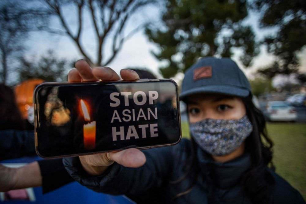 Coluna de convidados: Ações concretas para lidar com o ódio e o racismo no Canadá há muito atrasadas