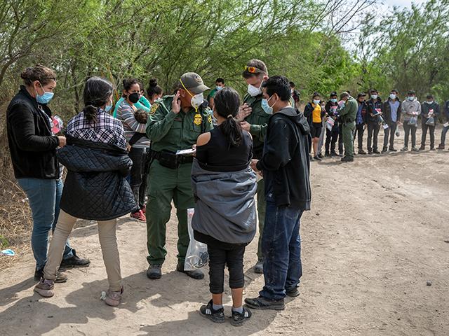 DHS prepara boas-vindas para 800.000 'Migrantes Familiares'