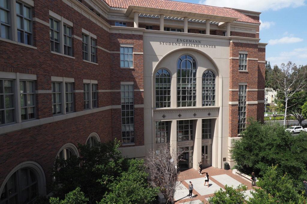 A USC concorda em pagar às vítimas do Dr. George Tyndall $ 852,4 milhões em um acordo