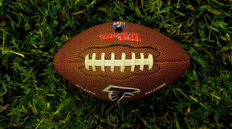 As primeiras parcerias oficiais de apostas esportivas da NFL incluem FanDuel, DraftKings