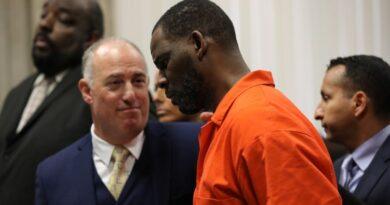 Dois advogados de R. Kelly querem sair apenas dois meses antes do julgamento