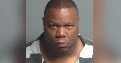Jogador da NFL, Kevin Ware, preso depois que namorada desaparece