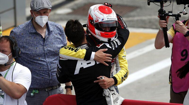 Van der Linde feliz por empatar com o irmão na vitória do DTM