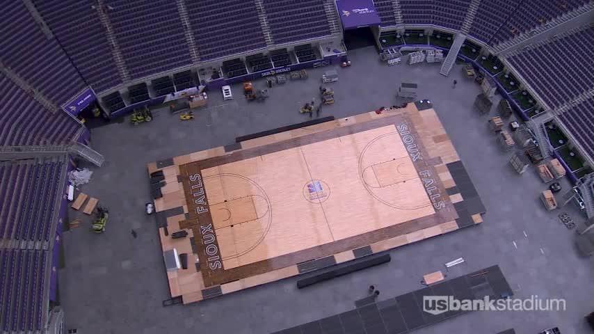 Time-lapse video mostra a conversão do estádio dos Vikings