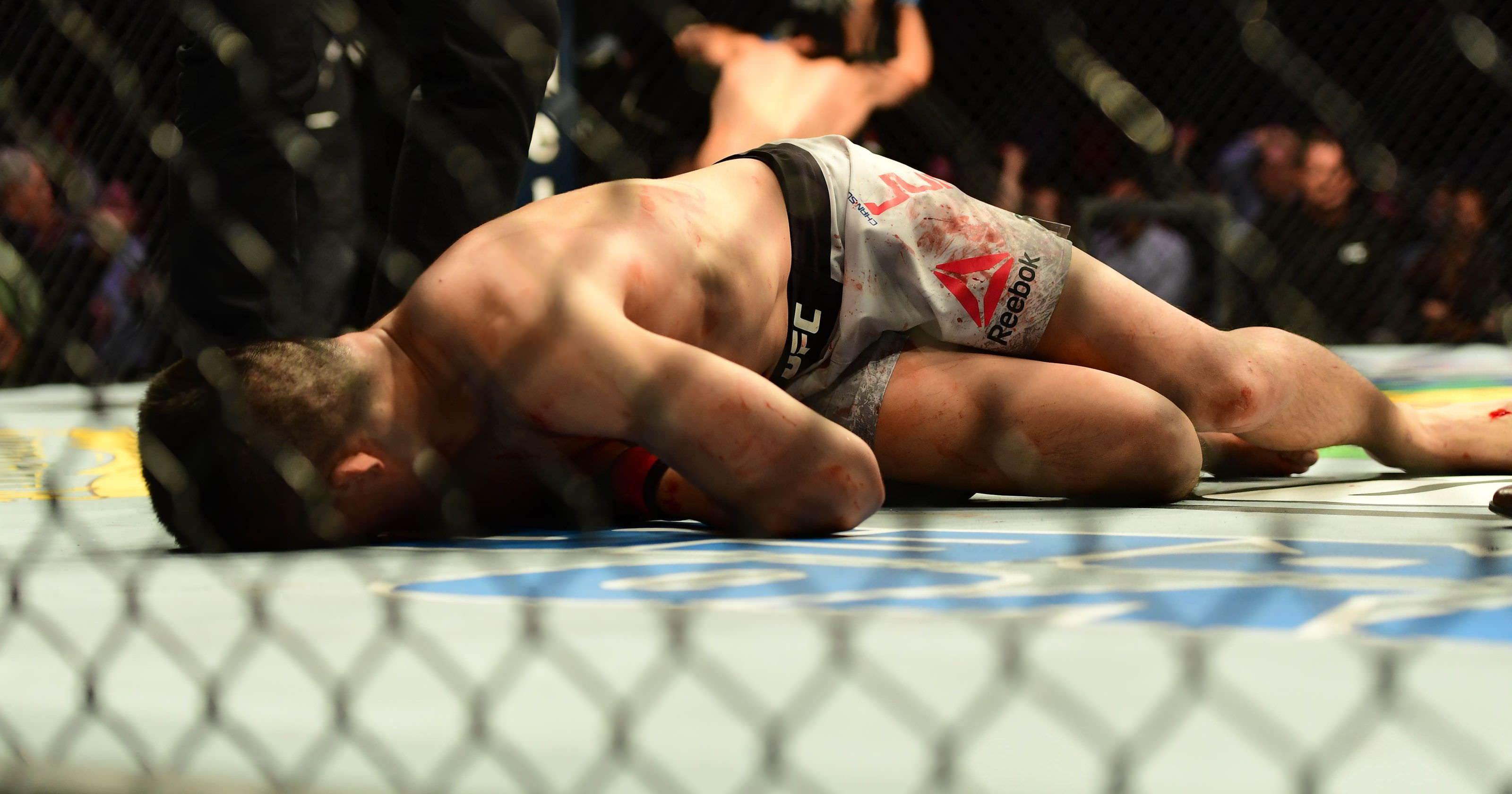 UFC Fight Night 139 terminou com um chocante e notável nocaute no último segundo