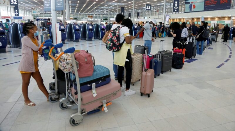 Companhias aéreas temem o caos por causa de passaportes COVID digitais – Reuters.com