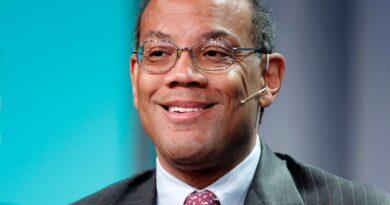 John Rogers, da Ariel Investments, elogiou ações de valor, alardeava o potencial de investimento de Barack Obama e refletia sobre como derrotar Michael Jordan no basquete