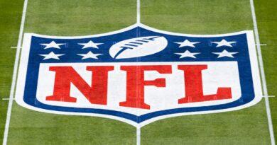 A NFL informa aos clubes que surtos de COVID-19 entre jogadores não vacinados podem levar a jogos perdidos – NFL.com