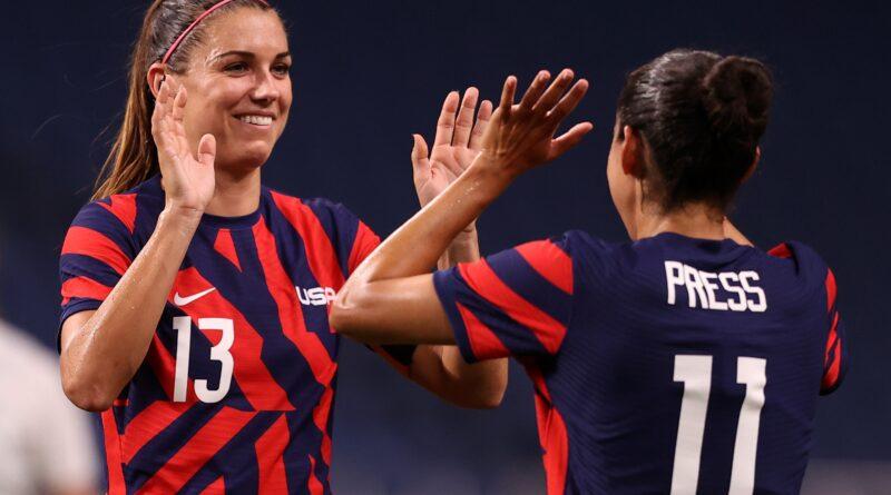 A equipe de futebol feminino dos Estados Unidos ainda não tem remuneração igual, então o Title Nine está pagando um cheque de US $ 1 milhão para eles