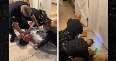 Vídeo de detenção de Jaxson Hayes mostra NBA'er Tased, policiais lançam investigação de força excessiva
