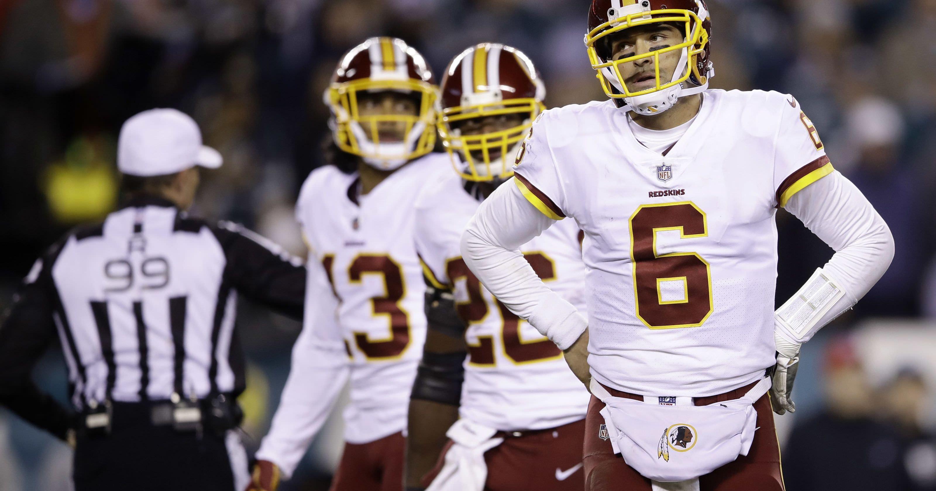 Jay Gruden, técnico do Redskins, diz que a equipe discutiu Kaepernick