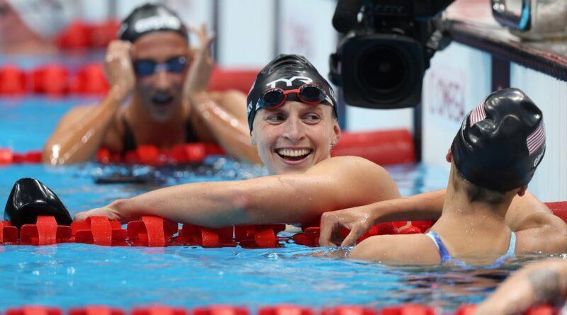 """""""Você quer que essas corridas doem"""": como Katie Ledecky perseverou para ganhar o ouro histórico em Tóquio"""