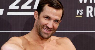 """Luke Rockhold compartilha seus pensamentos sobre Jake Paul: """"Ele não é um lutador de verdade.  Ele é um garoto durão """""""