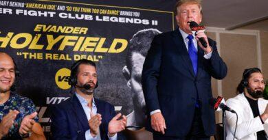 Opinião: O ex-presidente Donald Trump (principalmente) adere aos esportes enquanto fornece comentários sobre boxe