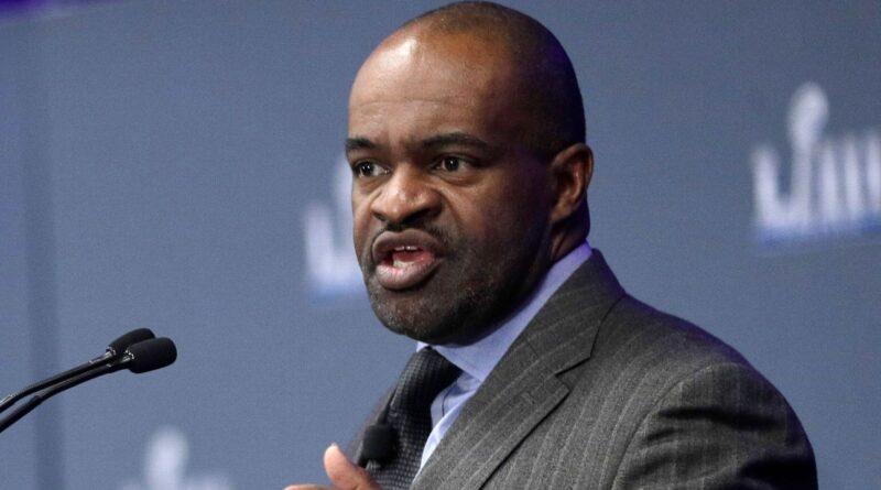 Smith preocupado com o achado de e-mails da NFL mostra preconceito de contratação