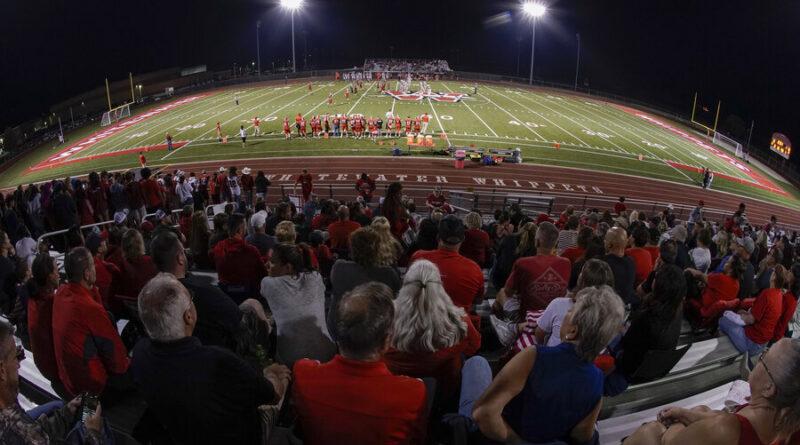 Esportes em vez de acadêmicos?  As escolas usam a ajuda COVID para o atletismo.
